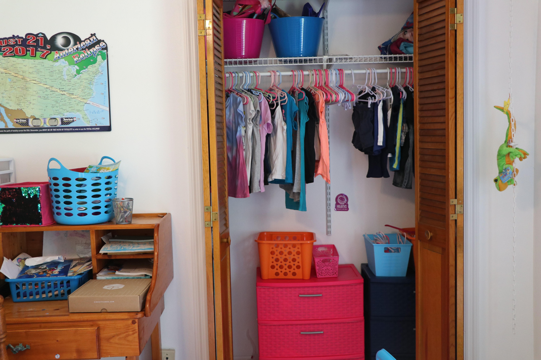 Creative & Inexpensive Shared Kids Room Organization Ideas