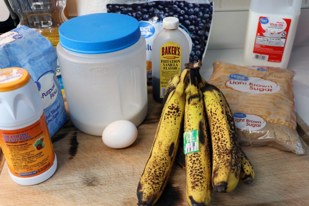 Ripe-bananas-with-Egg,-Sugar,-Flour